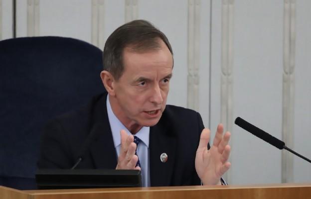Senat rozpoczął posiedzenie; zajmie się m.in. ustawą ws. bonu turystycznego