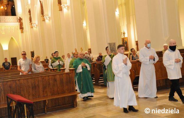 Rodzina Kościoła częstochowskiego modliła się o życie wiecznie dla bp. Zdzisława Golińskiego z nadzieją, że jest już w domu Ojca