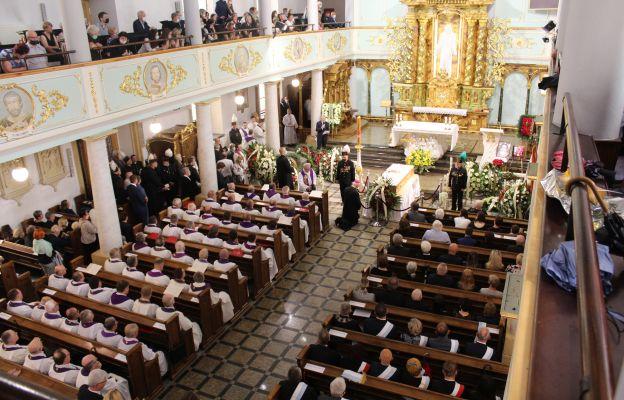 Kościół Najświętszego Zbawiciela w dni pogrzebu.