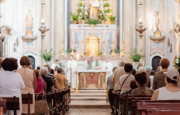 Po co chodzić do kościoła, skoro Bóg jest wszędzie?