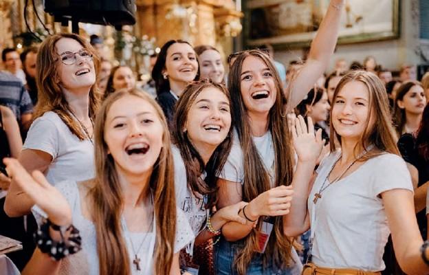 Młodzi doświadczają w Kościele wewnętrznego uzdrowienia