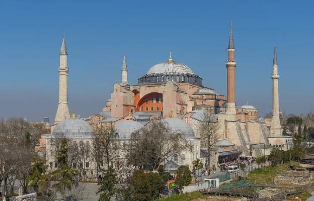 Chrześcijanie nie godzą się na przekształcenie Hagii Sophii w meczet
