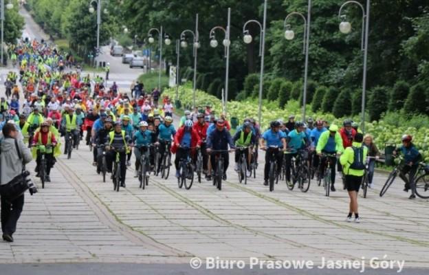 Rowerem na Jasną Górę - dotarła Ogólnopolska Pielgrzymka Rowerowa