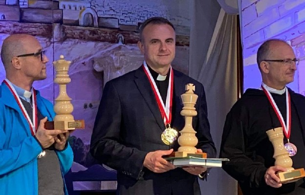 Rektor Seminarium pallotynów Mistrzem Polski Duchowieństwa w szachach