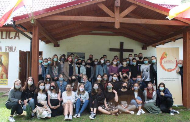 W oazach biorą udział 42 młode osoby