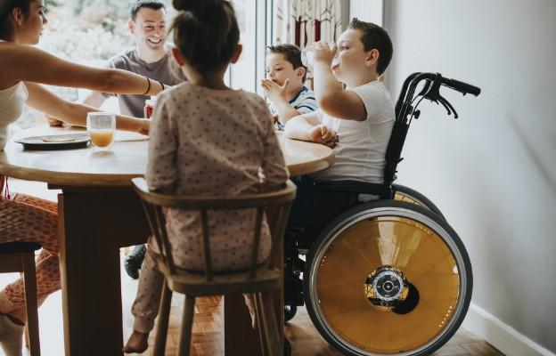 Na jaką pomoc państwa mogą liczyć rodzice po urodzeniu dziecka niepełnosprawnego?