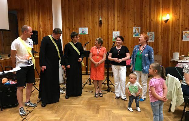 Wspólna zabawa podczas Kursu Maria Magdalena w Bielawie
