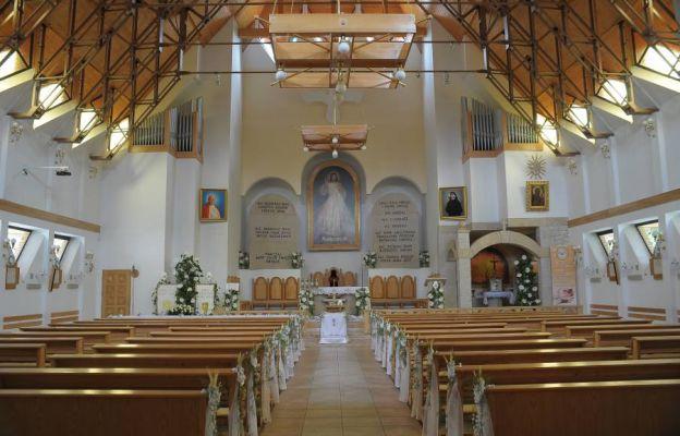 Wnętrze kościoła Miłosierdzia Bożego w Kudowie