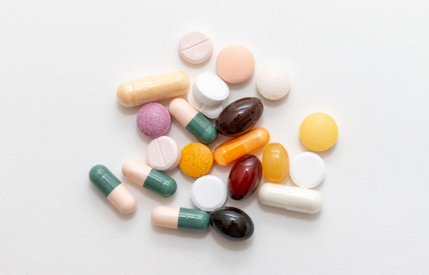 Seniorze, korzystaj z bezpłatnych leków 75+