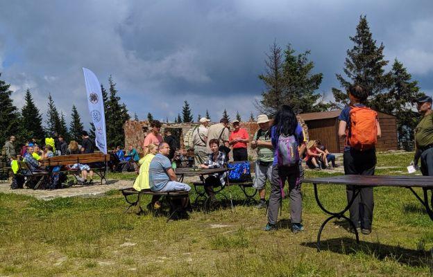 Uczestnicy tegorocznej Ewangelizacji na Pilsku spotkali się w pobliżu schroniska.