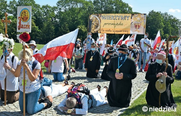 Polacy – naród pielgrzymów?