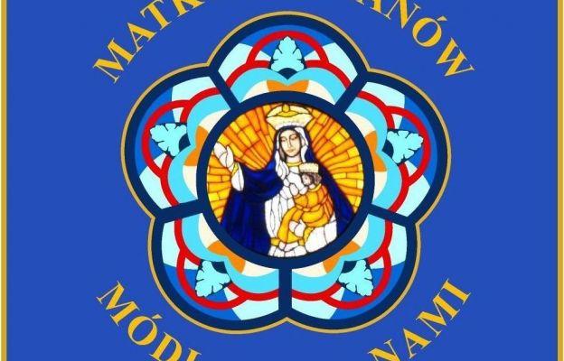 Awers sztandaru Apostolatu Margaretka w diecezji sosnowiekciej