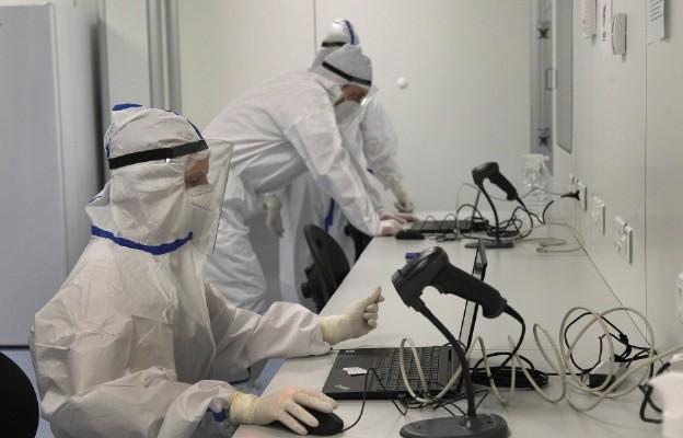 KE porozumiała się z Sanofi w sprawie zakupu 300 mln dawek przyszłej szczepionki na Covid-19
