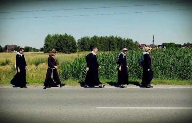Jasna Góra: Pięciu za wszystkich. Pięciu kapłanów szło za cały Rybnik