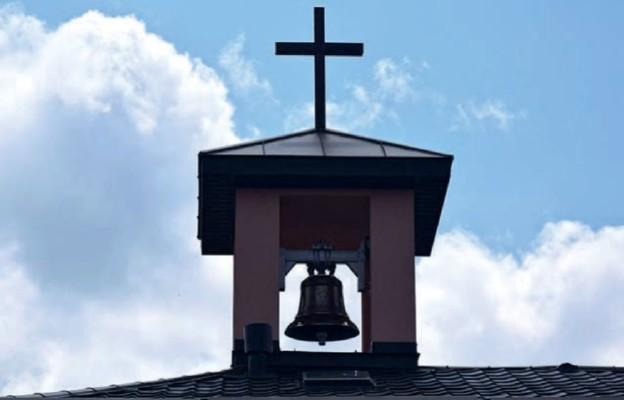 Ordo Iuris: korzystanie z dzwonów i nagłośnienia nabożeństw jest w pełni legalne