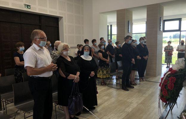 W pogrzebie uczestniczyła najbliższa rodzina.