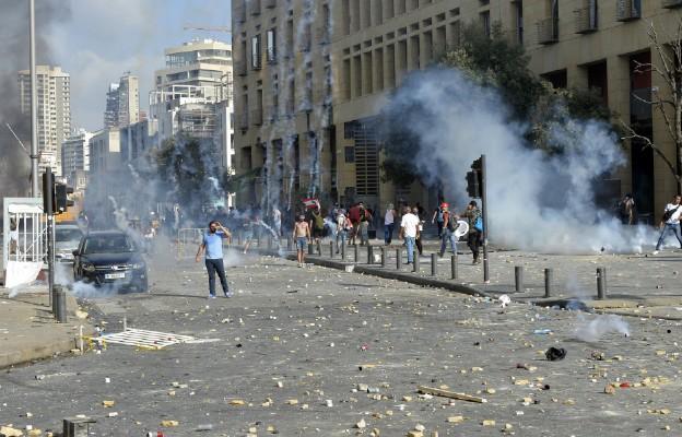 Liban: Demonstracje i starcia z policją w Bejrucie; 1 zabity, ponad 230 rannych