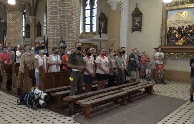 Piesza Pielgrzymka Wrocławska rozpoczyna dzień Mszą święta.