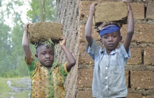 Jak żyją dzieci w Kamerunie?