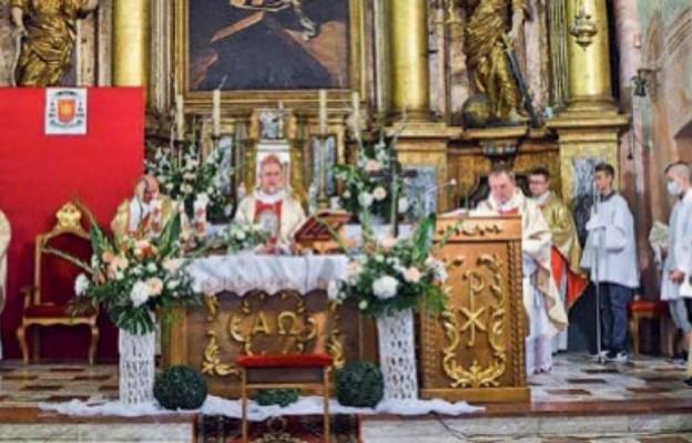 Bp Jan Piotrowski przewodniczy uroczystościom ku czci św. Kingi