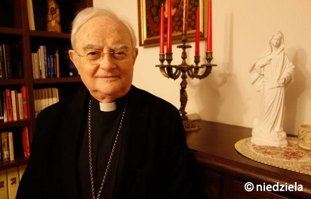 """Abp Hoser dla """"Niedzieli"""": potrzeba nam miłości ojczyzny na wzór bohaterów Bitwy Warszawskiej"""