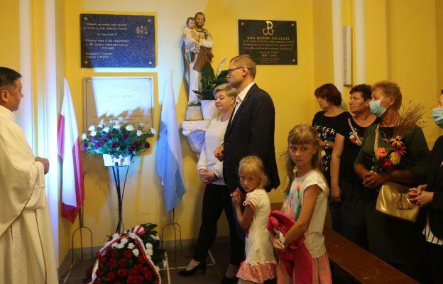 Poświęcenie tablicy w kościele św. Józefa w Żórawinie