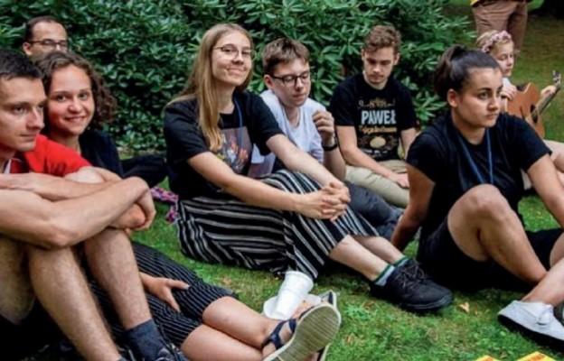 Młodzież, która uczestniczyła w oazowych rekolekcjach