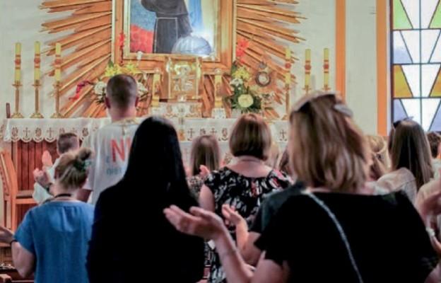 Papież Franciszek  zachęca do odnowienia praktyki cichej adoracji