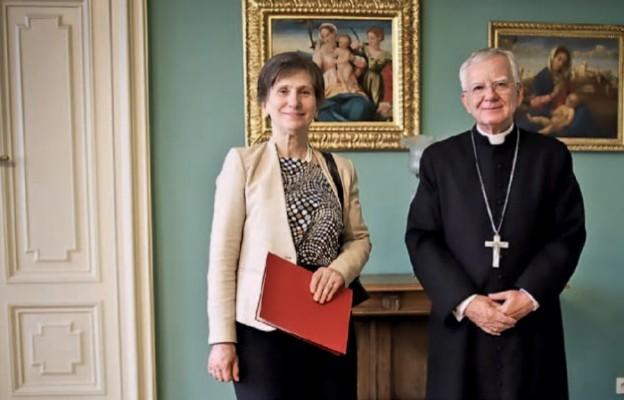 Abp Marek Jędraszewski przyznał Adrienne Körmendy złoty Medal św. Jana pawła ii