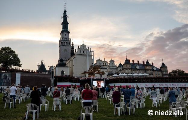 Jasna Góra: trwa specjalna nowenna przed świętem Matki Bożej Częstochowskiej