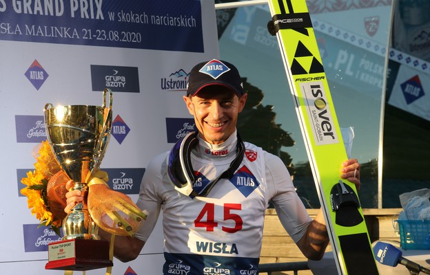 Kamil Stoch z pucharem