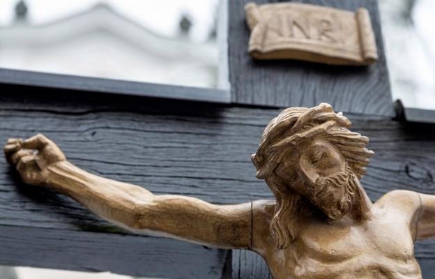 Pan Jezus przelał Krew podczas przebicia boku włócznią