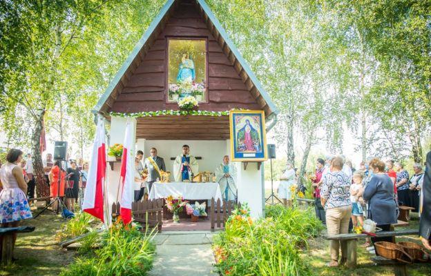 Wierni modlili się przy kaplicy Matki Bożej od gradobicia