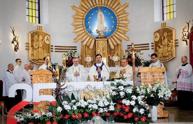 Mszy św. jubileuszowej przewodniczył bp Piotr Sawczuk