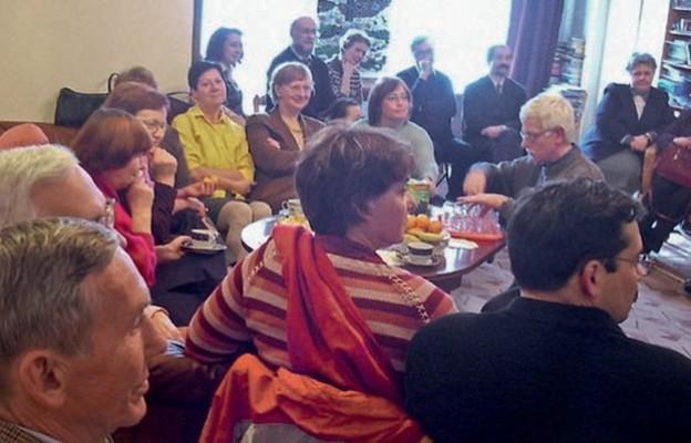 Uczestnicy głodówki solidarnościowej na spotkaniu po latach