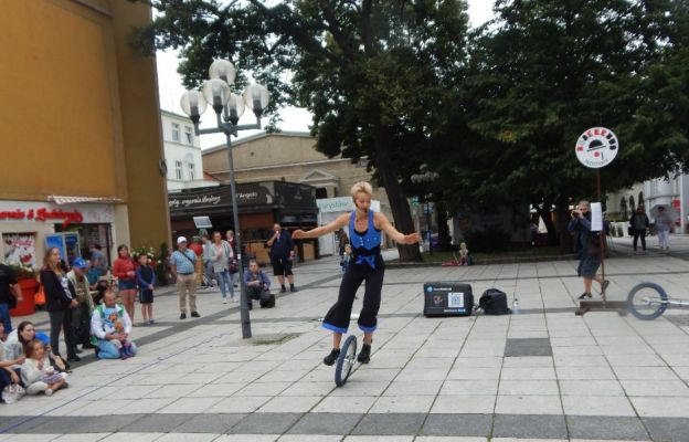 Janna Wohlfarth z Niemiec na monocyklu