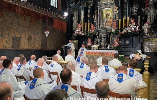Kapelani Służby Zdrowia z modlitwą o wsparcie