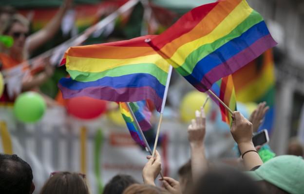 Ujawniamy. Stołeczny ratusz kontroluje dzielnice ws. działań na rzecz LGBT+