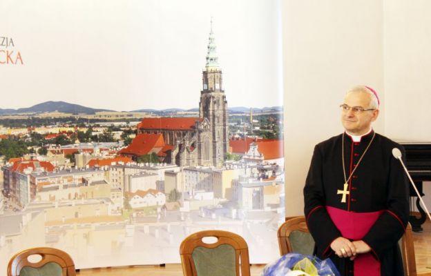 bp Marek Mendyk w dniu kanonicznego objęcia diecezji