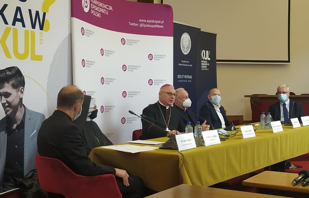 Bp Miziński: KUL daje Kościołowi i Polsce wartościowych, cennych ludzi