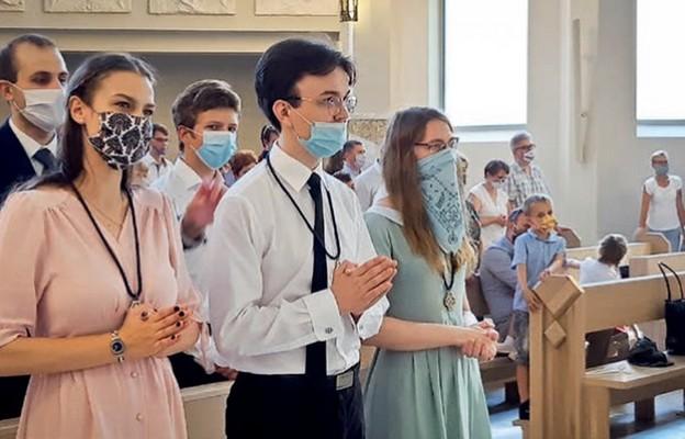 Agata, Mateusz i Maria otrzymali krzyże Ruchu Światło-Zycie