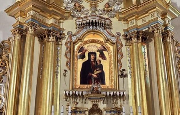 Zawada k. Dębicy: uroczyste obchody 100-lecia koronacji  łaskami słynącego obrazu Matki Bożej Zawadzkiej