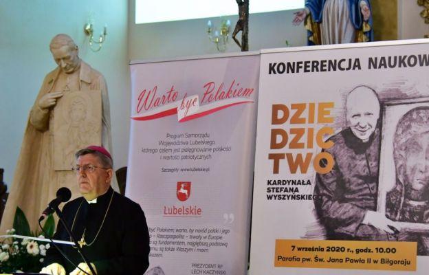 Prelekcja biskupa Mariusza Leszczyńskiego, biskupa pomocniczego diecezji zamojsko-lubaczowskiej