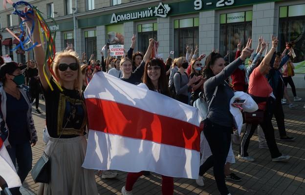 Białoruś: Zakończył się pochód kobiet w Mińsku, ponad 40 osób zatrzymanych