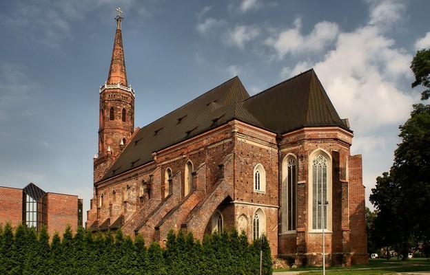 Kościół kolegiacki uważany był za najważniejszą po katedrze wrocławskiej świątynię Śląska
