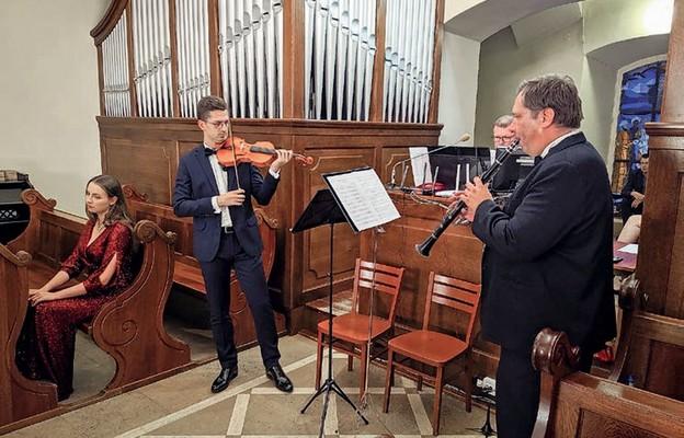 Koncertowano w kościele św. Klemensa