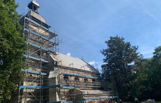 Remontowany kościół na Górze św. Doroty w Będzinie-Grodźcu