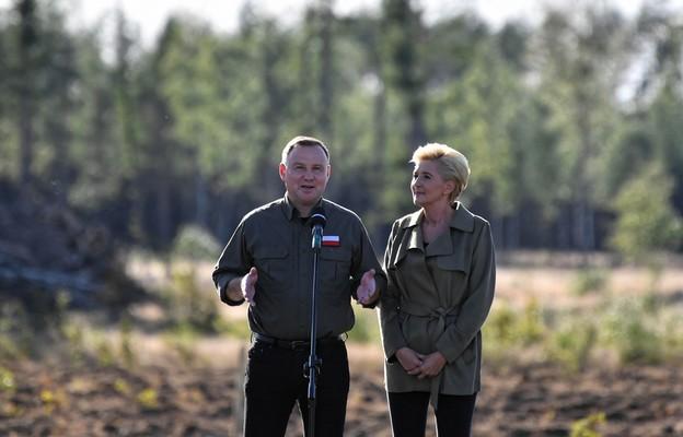 """Para prezydencka zainaugurowała drugą edycję akcji sadzenia drzew """"sadziMY"""""""