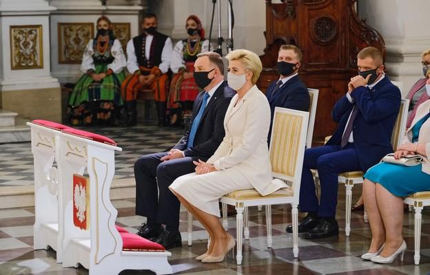 Warszawa/ Msza św. w kościele seminaryjnym rozpoczęła Dożynki Prezydenckie