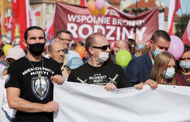 Prezydent dołączył do Marszu dla Życia i Rodziny w Warszawie